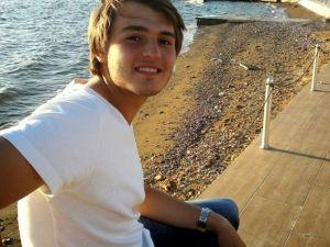 Selfie Çekerken Şelaleden Düşen Genç Hayatını Kaybetti