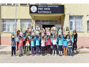 Muratpaşa'dan Öğrencilere Kitap