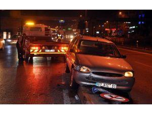 Alkollü Sürücüyü Refüj Durdurdu