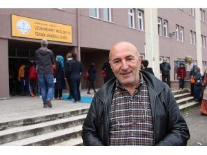 4 Çocuğunu Üniversitede Okutan Baba 60 Yaşında Sınava Girdi