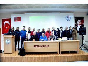 Adana'da Bisiklet Hakem Gelişim Semineri Gerçekleştirildi