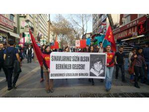 MEB'e Yürümek İsteyen Gruba Polisten Müdahale