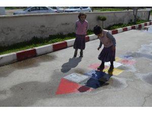 Belediyeden Öğrencilere Eğlenceli Hizmet