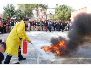 Silifke'de Lise Öğrencileri Yangın Tatbikatı Yaptı