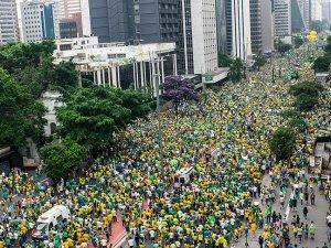 Brezilya'da Rousseff karşıtı gösteriler düzenlendi