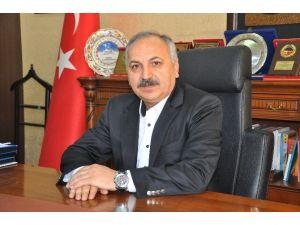 ESOB Başkanı Dinçer, Sağlıkçıların Tıp Bayramı'nı Kutladı