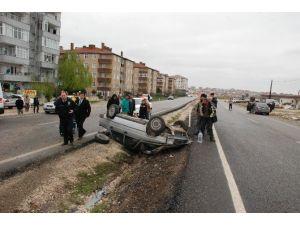 Tekerleği Çıkan Otomobil Takla Attı
