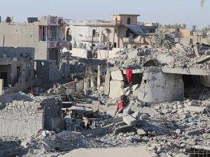 Enbar'da 17 bin kişi evlerinden oldu