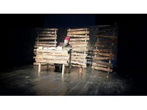 İzmit Belediyesi'nden 'Ben Mehmet Akif' Tiyatrosu