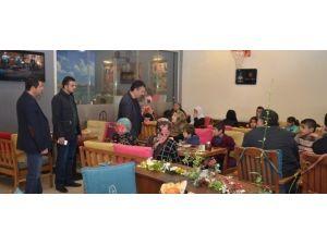 Yüksekova Ve Cizre'den Gelen Ailelere Kahvaltı