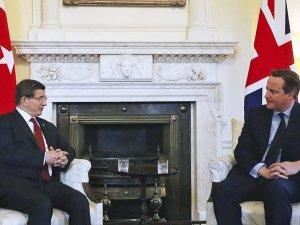 Başbakan Davutoğlu Cameron ile telefonda görüştü