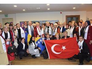 Bosnalı Kadınlardan AK Parti'ye Ziyaret