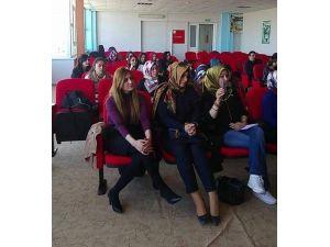 Öğrenciler, İstiklal Marşının Kabulünü Kutladı
