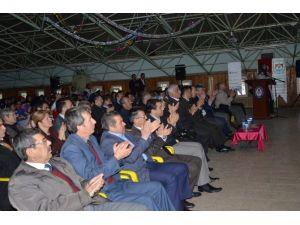 İznikli Öğrenciler İstiklal Marşı'nın Kabulünü Kutladı