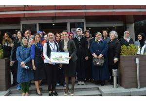 Kartepeli Kadınlara Göz Muayenesi