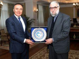 Reis-ül Hattatin Hasan Çelebi'den, Vali Altıparmak'a Ziyaret
