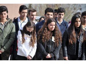 Ankara'daki Patlamada Hayatını Kaybeden Lise Öğrencisi Okulunda Anıldı