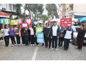 İlk Türk Doktorunu Anarak, Vatandaşın Tansiyonunu Ölçtüler
