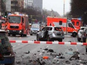 Berlin'in Merkezinde Araç Patladı! 1 Kişi Öldü