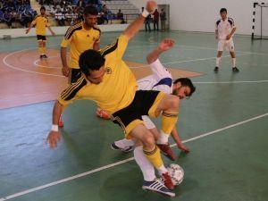 Üniversiteler Arası Salon Futbolu Maçında İnönü Üniversitesi Galip