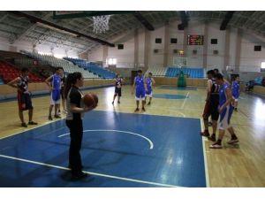 Gençler Basketbol Müsabakaları Başladı