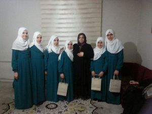 Vali Kahraman'ın Eşi Muhsine Kahraman Hafızlığını Tamamlayan Öğrencileri Unutmadı