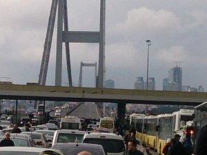 Boğaziçi Köprüsü'nde Bombalı Araç Alarmı! Köprü Trafiğe Kapatıldı