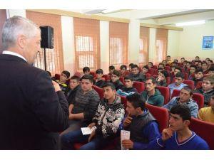 SGK'dan Öğrencilere Kayıt Dışı Eğitim Semineri