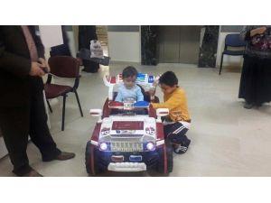 Aksaray'da Çocuklar Ameliyata Akülü Araba İle Gidecekler