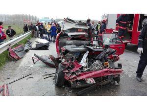 Sakarya'da Feci Kaza: 4 Ölü, 1 Ağır Yaralı