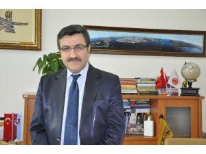 """Hacısalihoğlu: """"Rusya'nın Çekilme Kararı Şaşırtıcı Değil"""""""