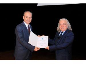 İletişim Kulübünden 'Yönetsel Ortamda İnsan İlişkileri Ve Etkili İletişim' Konferansı