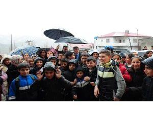 Vali Ahmet Çınar Hizan İlçesini Ziyaret Etti