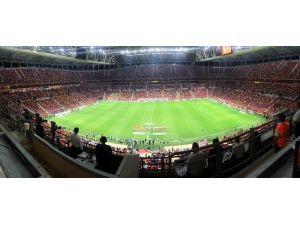 """Spor Kulüplerine Ek Gelir: """"Stadyum Pazarlaması"""""""
