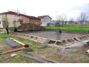 Erbaa'da Proje Yardımı Yapılan Evlerin Temeli Atıldı