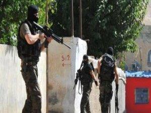 Batman'da Takip Edildiklerini Anlayan PKK'lılar Polise Ateş Açtı
