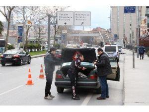 Vatandaştan Asayiş Uygulaması Yapan Polise Tam Destek