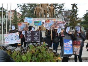 Öğrencilerden Dünyaya 'Çan'lı Ve 'Sala'lı Çevre Uyarısı