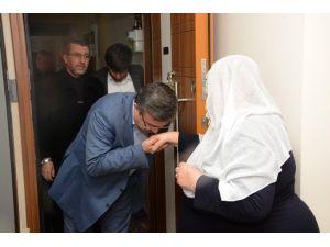 AK Parti İl Yönetimi Şehit Ailelerini Ve Gazileri Ziyaret Etti