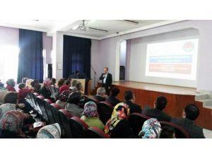 Akşehir'de Aile Eğitimi Alan 30 Kadına Sertifika