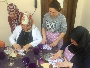 Pursaklar Belediyesi'nden Hanımlara Sofra Hazırlama Dersi