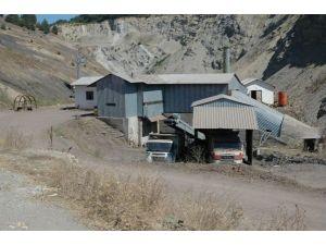 Maden Ocağından Kablo Çalan Zanlılar Yakalandı