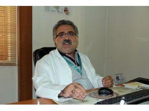 """Dr. Şen: """"Tarsus'ta Aile Sağlığı Merkezine El Yapımı Patlayıcıyla Saldırı Düzenlendi"""""""