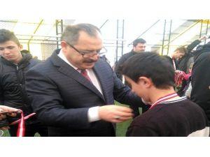 Özel Sporcular Burhaniye'den Madalyayla Döndü