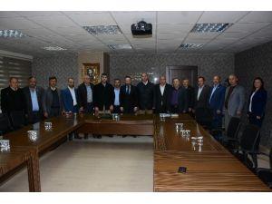 Muhtarlar, İzmit Belediyesi'ne Teşekküre Geldi