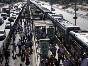 İETT 5 yılda 'dünya' kadar yolcu taşıdı