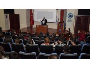 """ESOGÜ'de """"Kadersiz Türküler"""" Konferansı"""