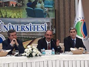 Rektör Vatan Karakaya: