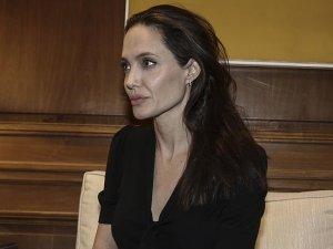 Angelina Jolie'den sığınmacı açıklaması