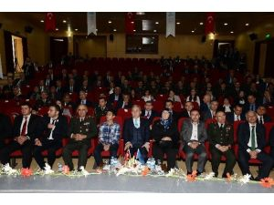 """Şehit Ailesi Ve Gazilere """"Devlet Övünç Madalyası Ve Beratları"""" Tevcih Edildi"""